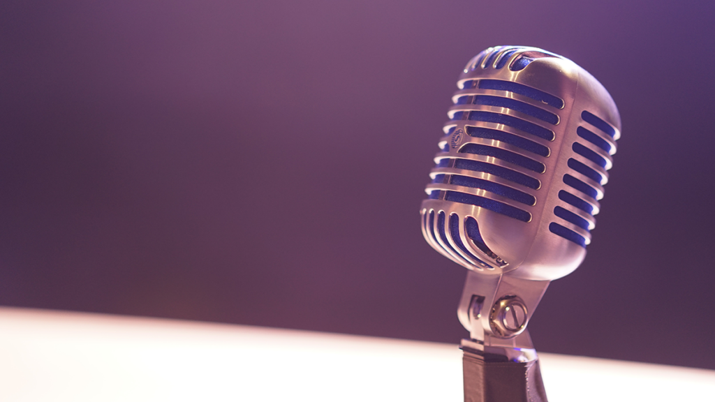 Image of a recording mic for podcast